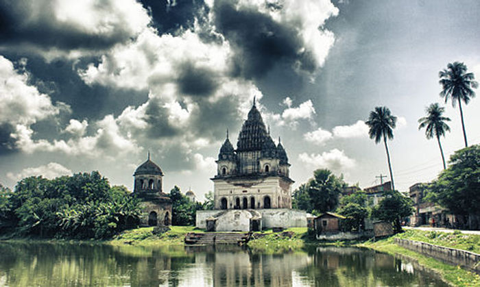 Bangladesh temple.jpg
