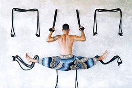 Yoga hanging split