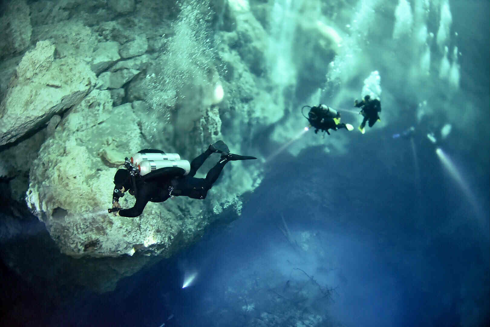 Cavern Diving