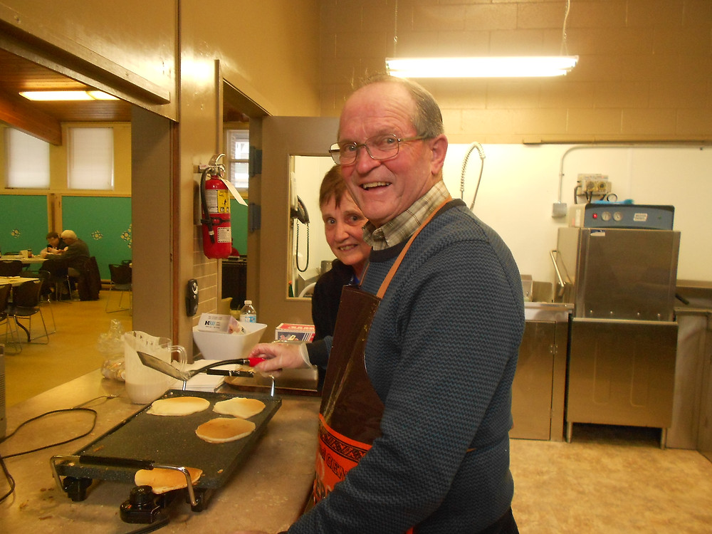 We had a lot of fun and cooked a lot of pancakes and sausages for a lot of people!   Our thanks to Barry and Judy Bailey and their awesome team of workers for hosting a very successful event.