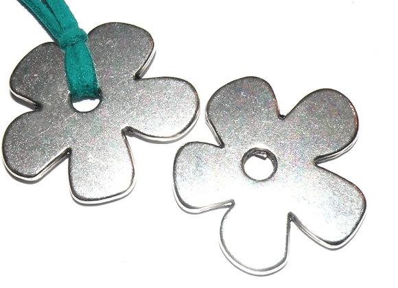 Zamak Metal Daisy Flower Pendant