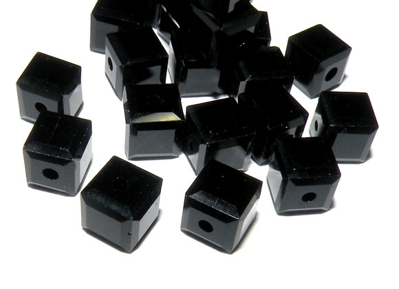 Glass Cube Bead 6mm Black Pack of 20