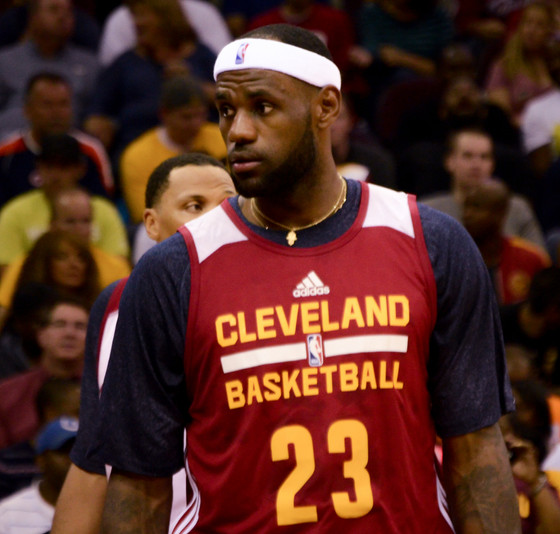 LeBron James Proves That He's The King Of Everything Ever (BrainJet)