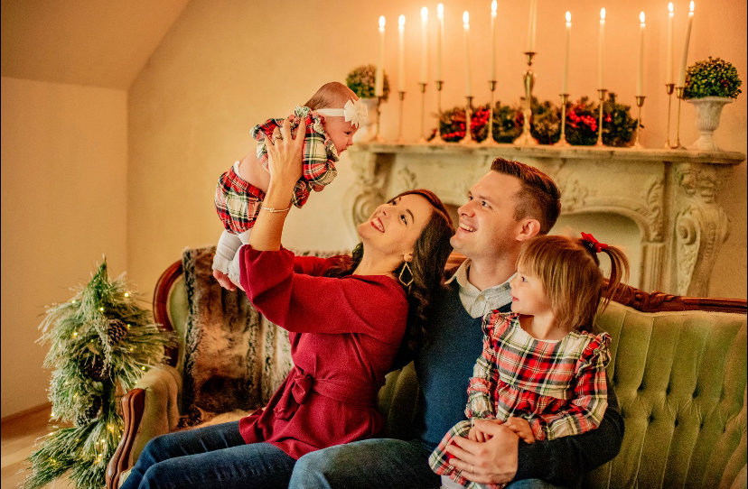 An Intimate Indoor Christmas Experience