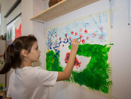 Творческие эксперименты в художественной школе: зачем детям выходить за рамки листа?