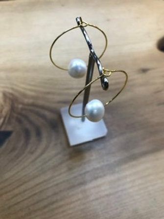 Adore design hoops with sea pearl