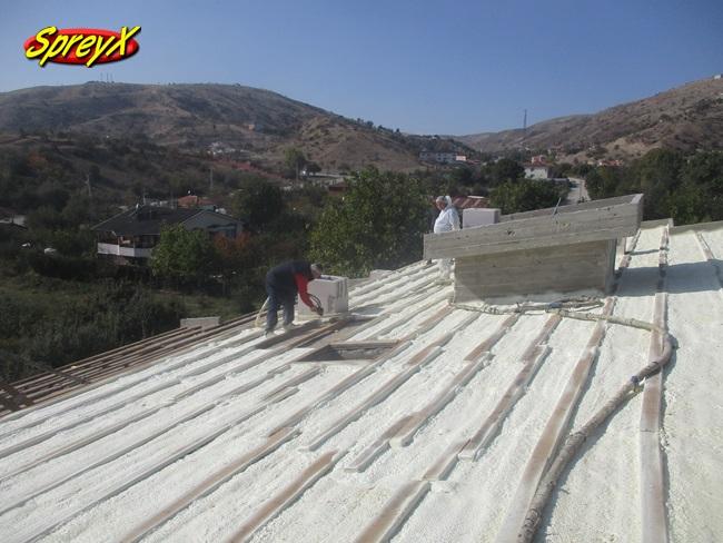 Çatı Köpük Yalıtım Üstten Uygulama