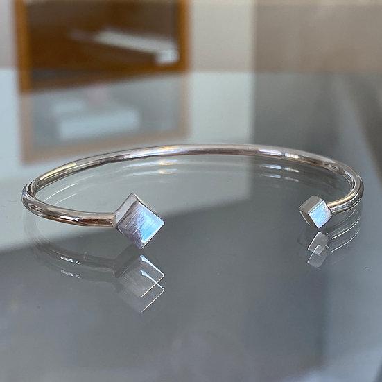 Kubarmband i silver
