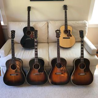 Hensley among old Gibsons