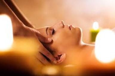 il viso rispecchia la nostra personalità, prendersi cura con il massaggio è molto importante