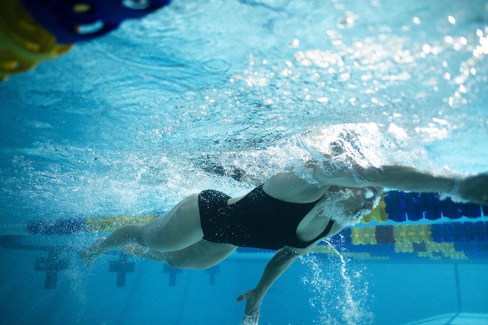 Swimming_1136-min (1).jpg