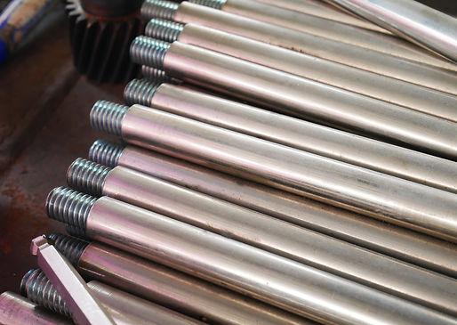 threaded-steel-bar,-steel-lathe.-1179479
