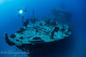 沈没船とダイバー ヌメア、ニューカレドニア