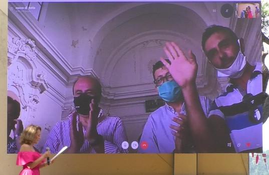 Lady e don Giuseppe  Con il Sindaco di Santopadre, con Rocco Di Nota e altri concittadini  In collegamento Skype da Santopadre (Frosinone)