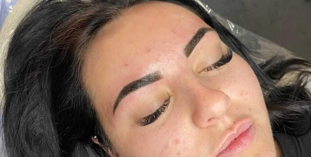 Brow Shape & Henna