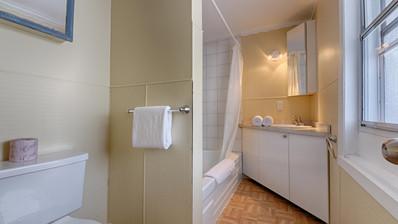 Bathroom 9.jpg
