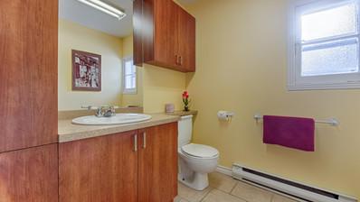 Bathroom 11.jpg
