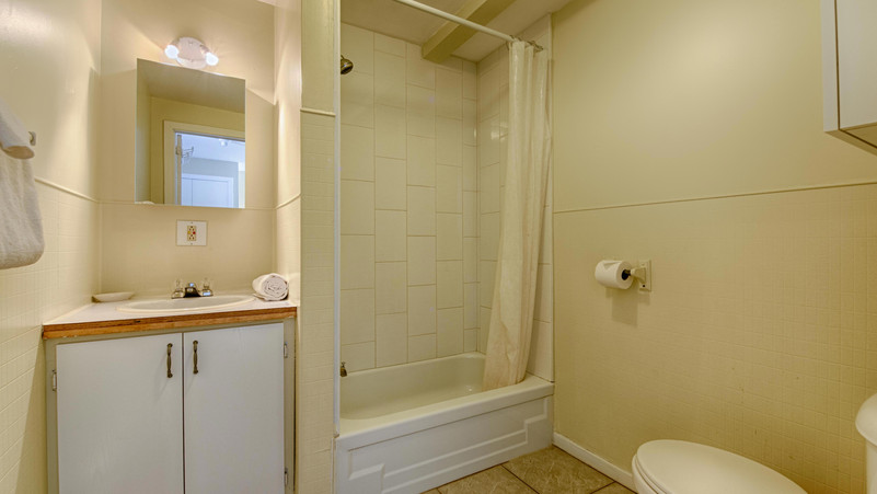 Bathroom 12.jpg