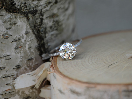 5 Creative Hints to Help You Get the Engagement Ring of Your Dreams