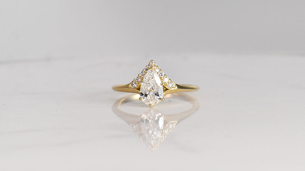 Colibri Engagement Ring