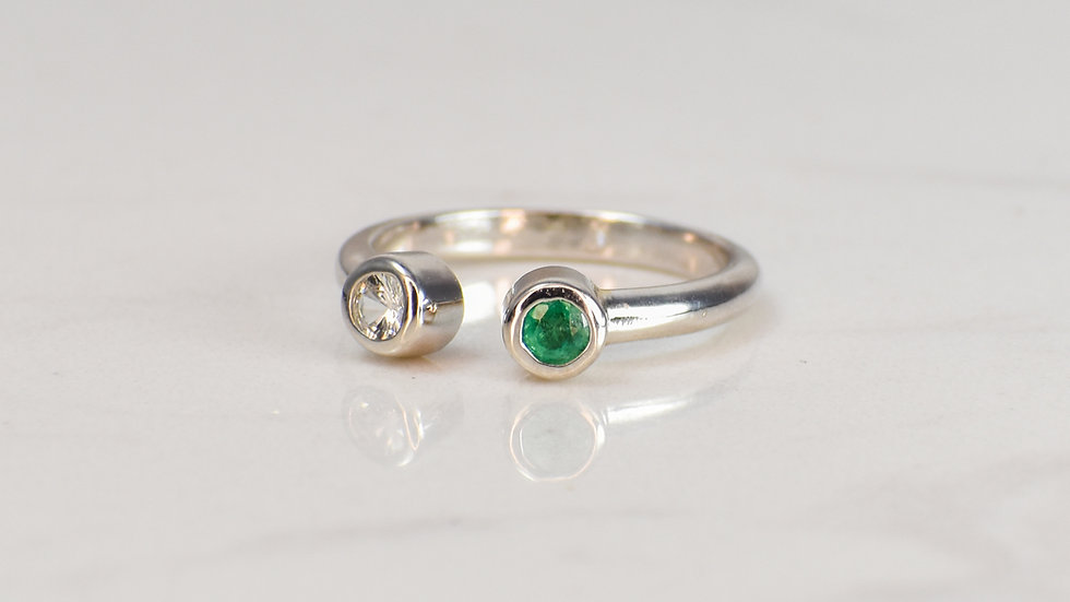 Fan Ring - Emerald/White Sapphire in Sterling