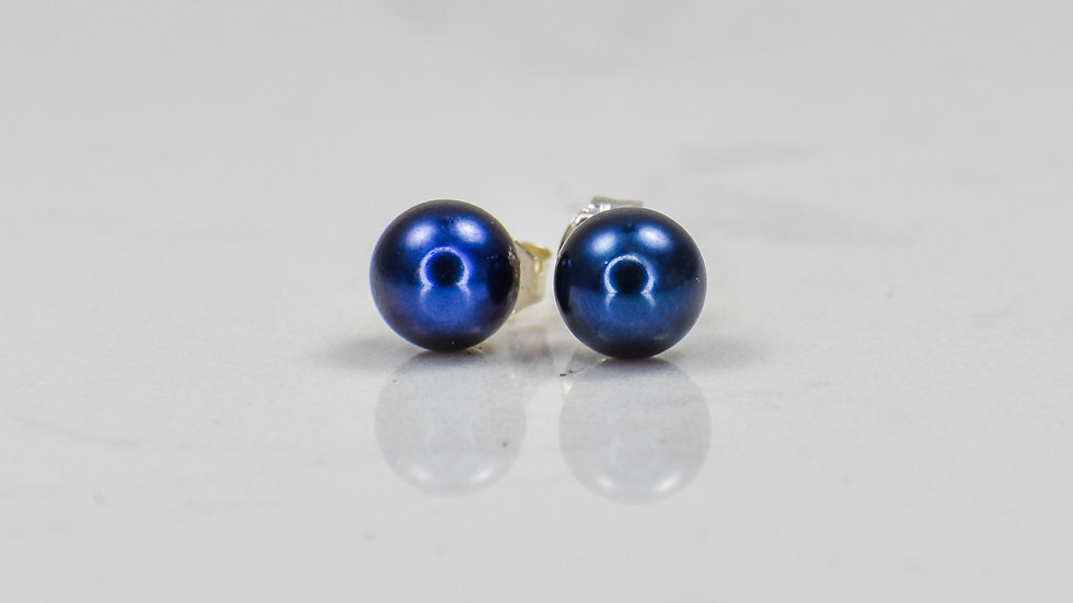 Heather Studs in Pink, White or Black pearls