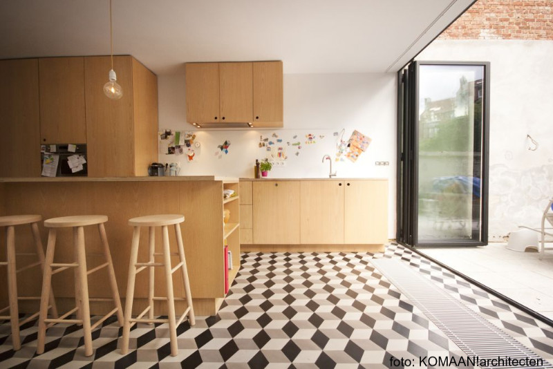 nieuwe keuken in multiplex