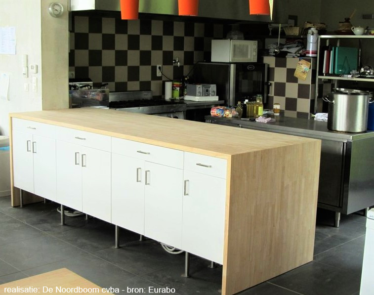 rubberwood keuken - bron: Eurabo