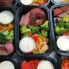 Steak, Broccoli, Bell Pepper, Onions & Ranch