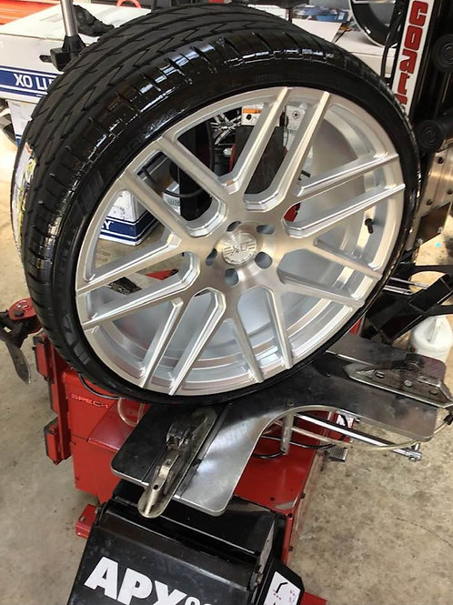 """22 """"XO FORGED"""" STAGGERED 22X9 &22X10.5 """"305"""" WIDE TIRE PACKAGE"""