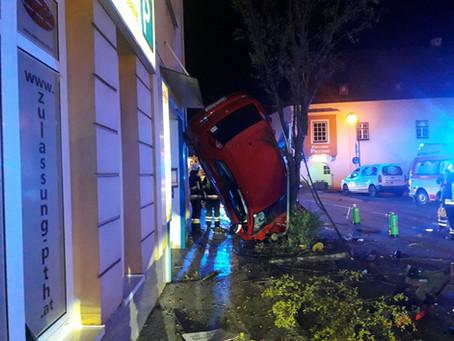 Spektakulärer Verkehrsunfall im Stadtgebiet
