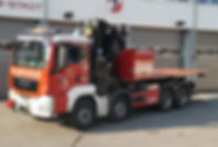 Wechselladefahrzeug mit Kran und Bergeco