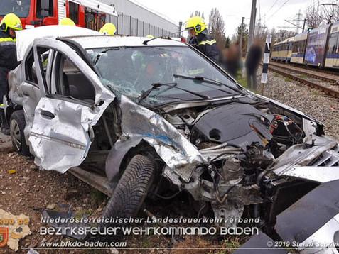 Verkehrsunfall mit Badner Bahn in Wienersdorf