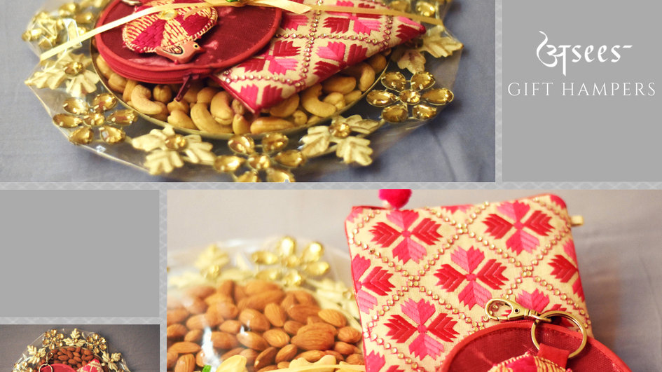 Dry fruit Hamper with Coin pouch and Keychain