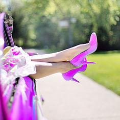 womans-legs-887286.jpg
