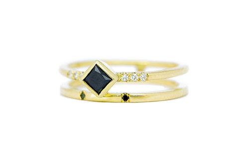 18kt geelgouden verlovingsring met witte/zwarte diamant