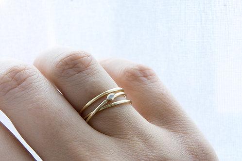 18kt geel goud wikkelring met markies diamant