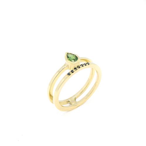 18kt geel gouden ring met groene tourmalijn en zwarte briljantjes