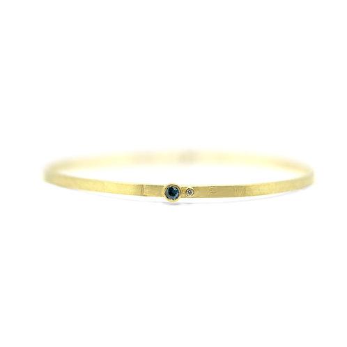 Bracelet met saffier, briljant en de initialen van de kleinkindjes