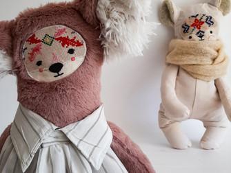 הבובות של אוסנת, או למה כדאי להזמין בובות כשאמא שלך עוברת לעיר אחרת.