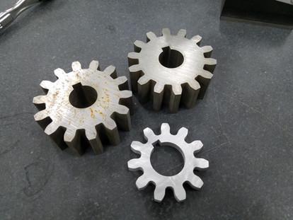 "Monitor ""V"" Pinion Gears"