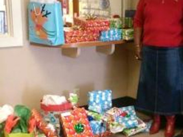 Southeast Youth & Family Services' Holiday Gift Drive 2014