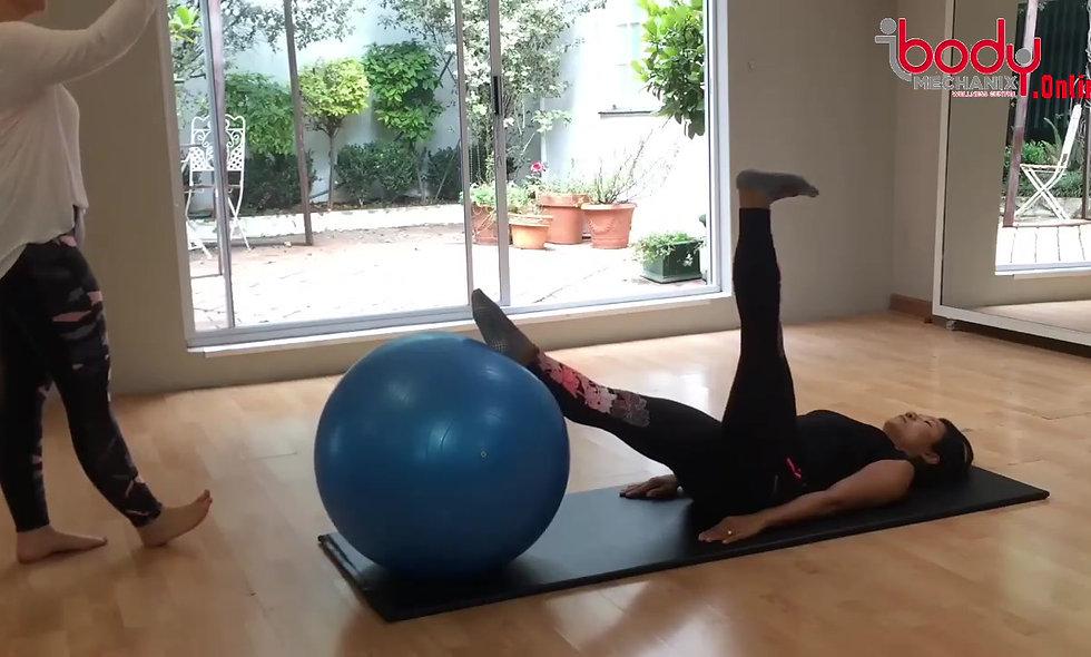 Mat class using a big ball