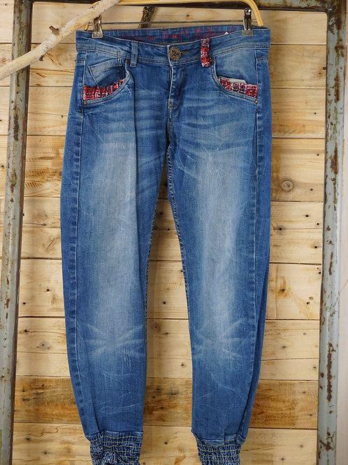 Jeans Gr. 38