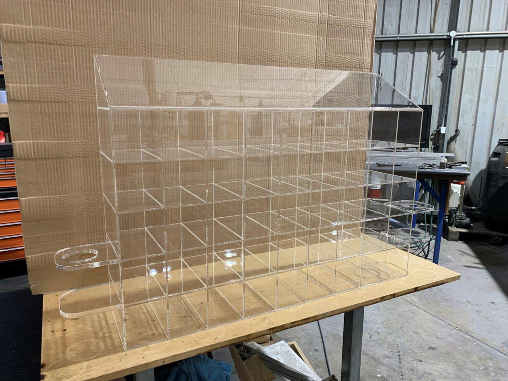Acrylic pigeon hole unit for safety glass