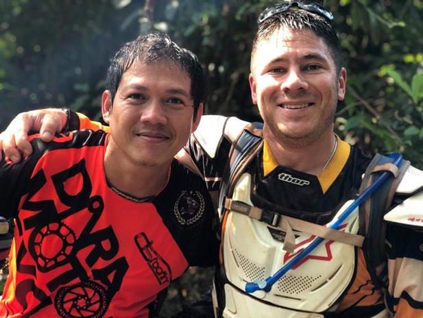 Cambodia MotorBike Tours - Make New Friends