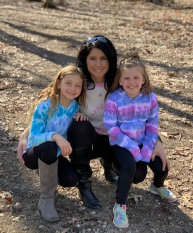 Shannon & her two daughters