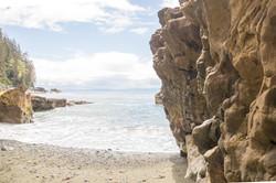 sombrio yellow rock
