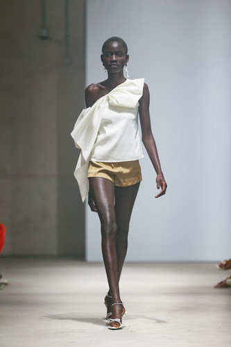 MING MA SS20 LOOK3