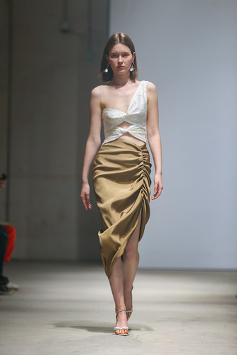 MING MA SS20 LOOK2
